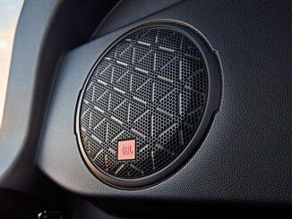 Toyota RAV4 radio JBL